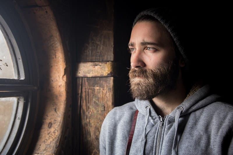Comment façonner sa barbe à la maison peinadosde10