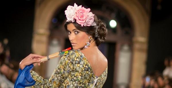coiffures flamenco avec demi-montants latéraux